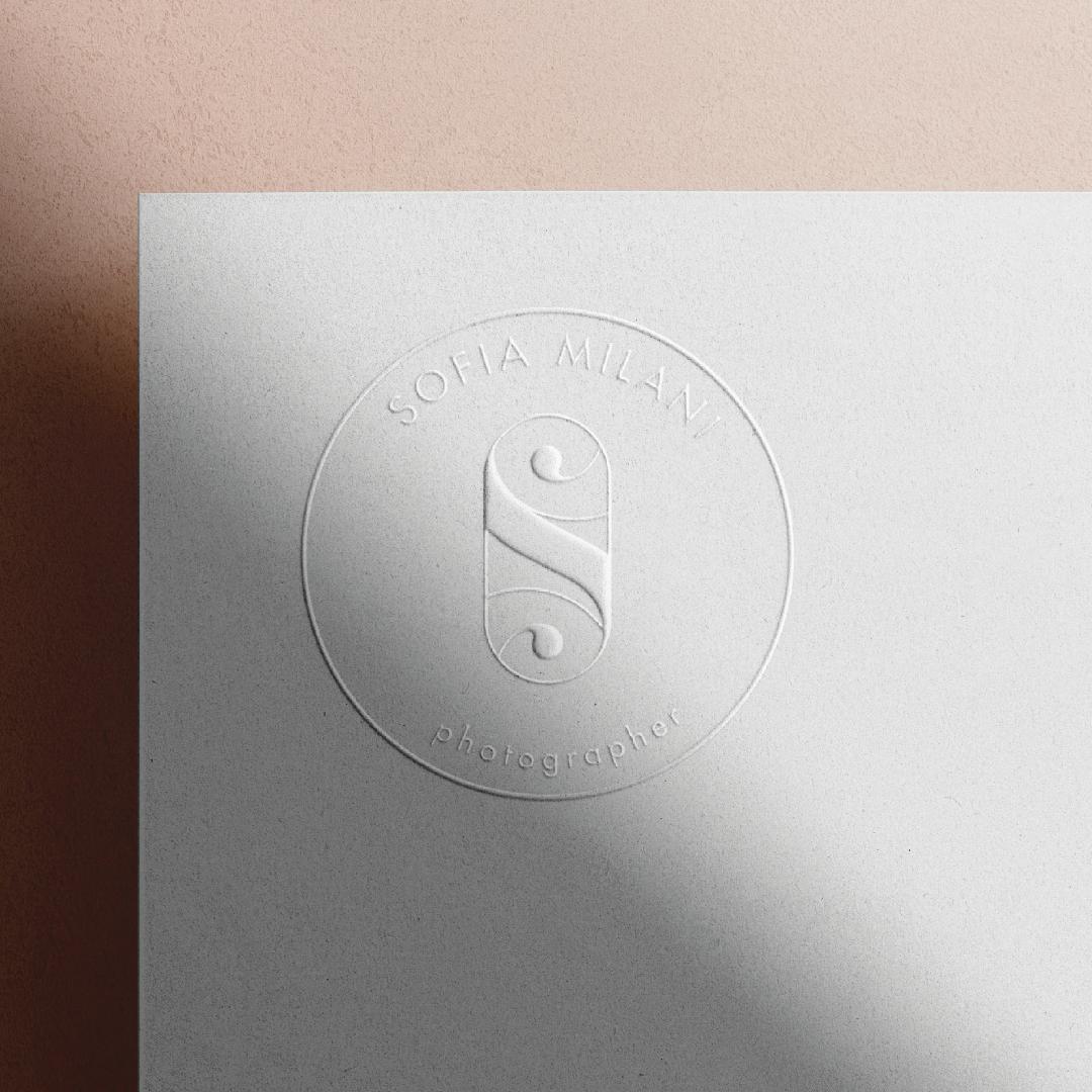 Logo in rilievo Sofia Milani